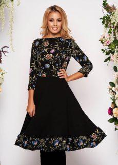 Rochie Neagra in Clos cu Maneci Trei-Sferturi din Material Elastic cu Imprimeu Floral